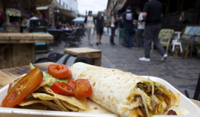 6 Markets for Cheap Eats & Veg Food in London
