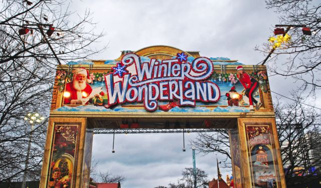 Walking in (Hyde Park's) Winter Wonderland // London
