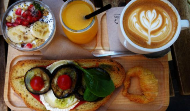 Things to Do in Valencia: Top 3 Brunch Cafés in Russafa