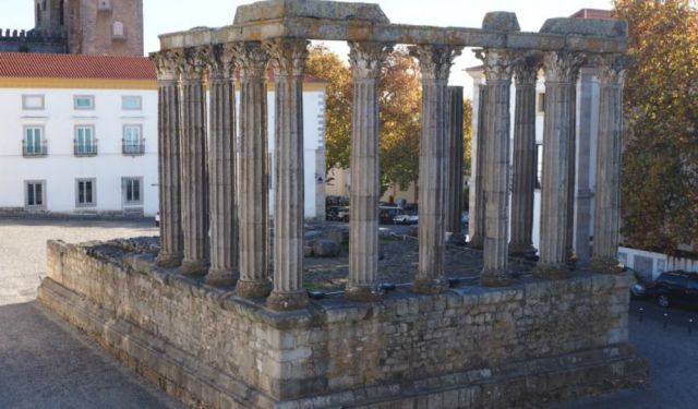5 Reasons to Add Evora to Your Portugal Itinerary