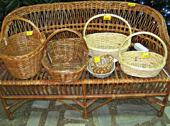 Basket Weaving Process : Chisinau ping guide moldovan products to take home