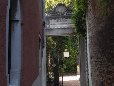 Peggy Guggenheim Collection Entrancee