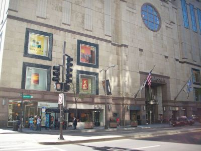 Magnificent Mile, Bloomingdale's Department Store