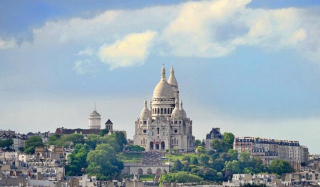 Montmartre Walking Tour in Paris