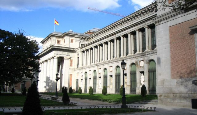 Museums Walking Tour in Madrid