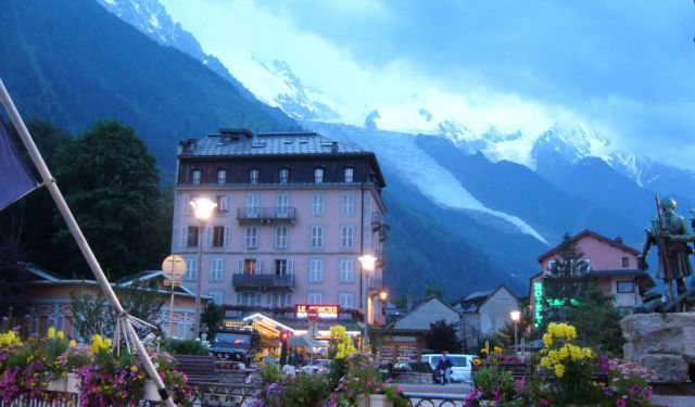 Chamonix Nightlife Tour