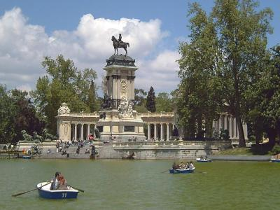 Buen Retiro Park Walking Tour, Madrid, Spain