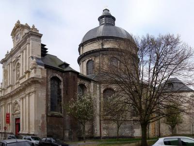 self guided walking tour lille