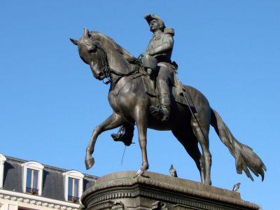 Statue du Général Faidherbe - Достопримечательности Лилля - что посмотреть в городе Лилль, Франция. Путеводитель по Лиллю, туристические маршруты с картами. Фотографии Лилля, Лилль, Лилль франция, город Лилль, Лилль достопримечательности, Лилль путеводитель, Лилль фото, Лилль что посмотреть, Лилль фотографии, Лилль туристические маршруты, Лилль скачать бесплатно, путеводитель по Франции, города Франции, достопримечательности Франции, что посмотреть во Франции, Франция путеводитель, скачать бесплатно, Франция, Lille, Lille france, Lille travel guide, Lille main sights, Lille what to see, Lille attractions, Lille walking tours, Lille tourist attractions