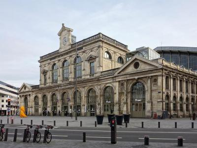 Gare de Lille Flandres - Достопримечательности Лилля - что посмотреть в городе Лилль, Франция. Путеводитель по Лиллю, туристические маршруты с картами. Фотографии Лилля, Лилль, Лилль франция, город Лилль, Лилль достопримечательности, Лилль путеводитель, Лилль фото, Лилль что посмотреть, Лилль фотографии, Лилль туристические маршруты, Лилль скачать бесплатно, путеводитель по Франции, города Франции, достопримечательности Франции, что посмотреть во Франции, Франция путеводитель, скачать бесплатно, Франция, Lille, Lille france, Lille travel guide, Lille main sights, Lille what to see, Lille attractions, Lille walking tours, Lille tourist attractions