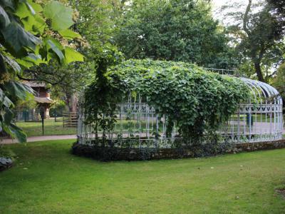 Jardin botanique tours for Jardin botanique tours