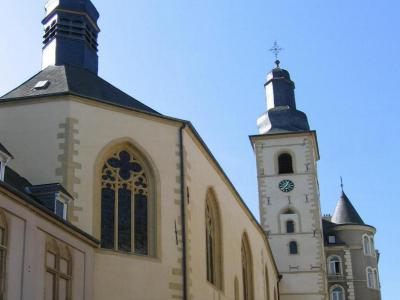 self guided walking tour luxembourg