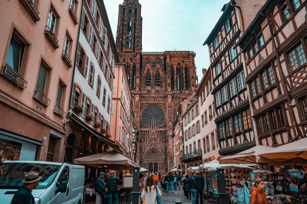 Strasbourg downtown walking tour strasbourg france for Strasbourg architecture