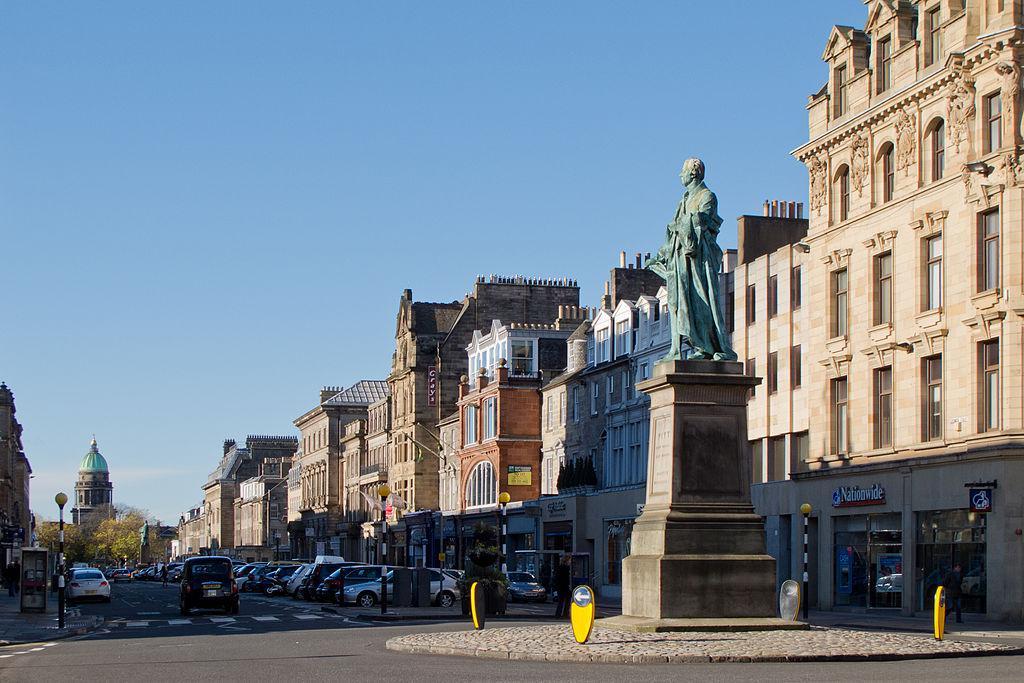 New Town Walking Tour Edinburgh Scotland