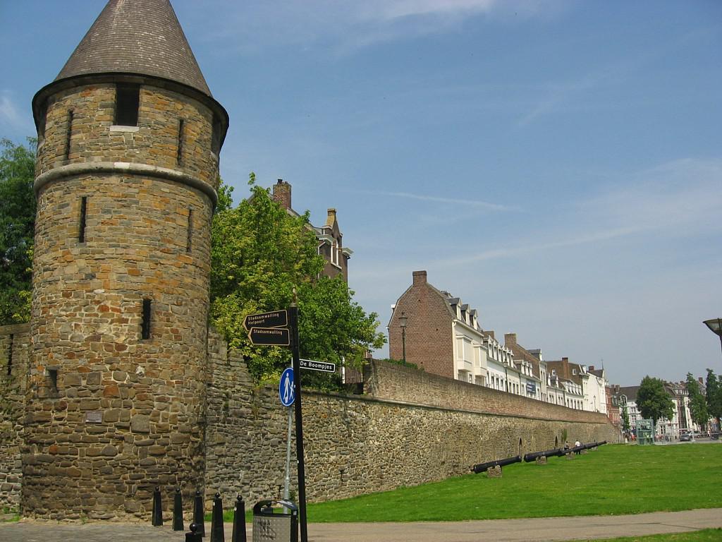 Maastricht landmarks tour maastricht netherlands - Maastricht mobel ...