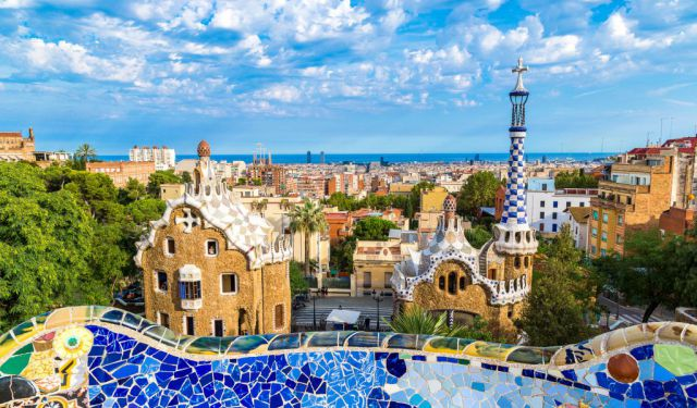 Barcelona for First Time Visitors with Free Things to Do