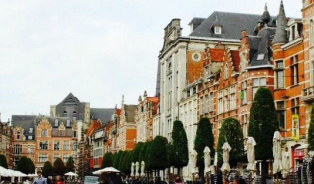 A Drive to Leuven (Just for Waffles!)