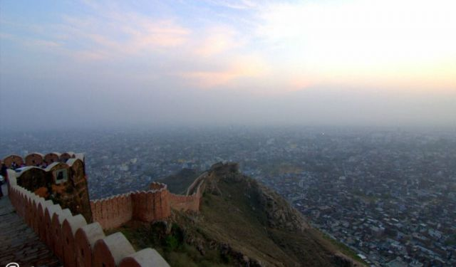 Insider's Guide to 5 Must See Places in Jaipur / In a Day