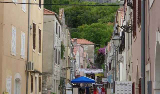 3 Good Reasons to Visit Ston in Croatia