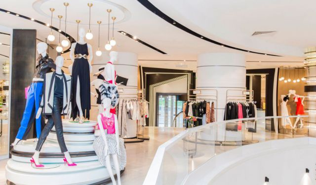 Top 5 Hong Kong Luxury Malls (A Travel Guide)