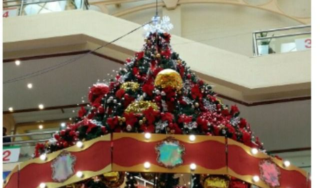 Santarina Says : Christmas is in the Air and Magical with Su