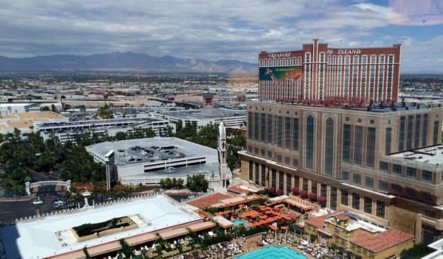 Travel with Me: Weekend Edition / Las Vegas
