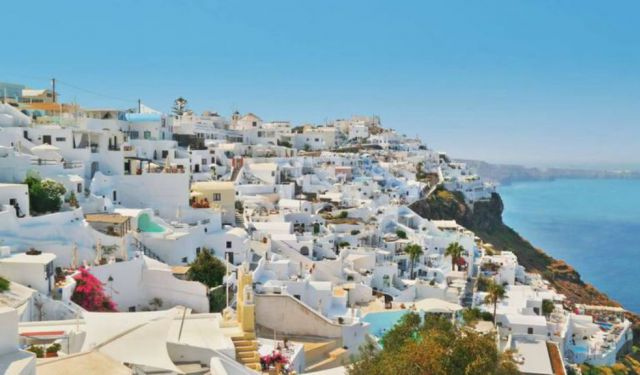 Scenic Hiking in Santorini, from Fira to Oia