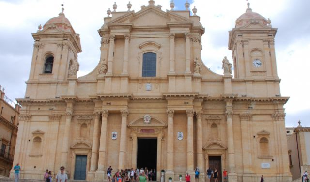 Spending a Day in Siracusa and Noto, Sicily