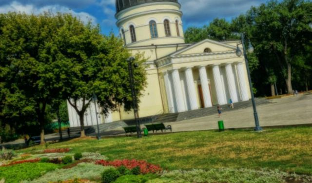 Moldova Travel Guide. Things to See and Do!