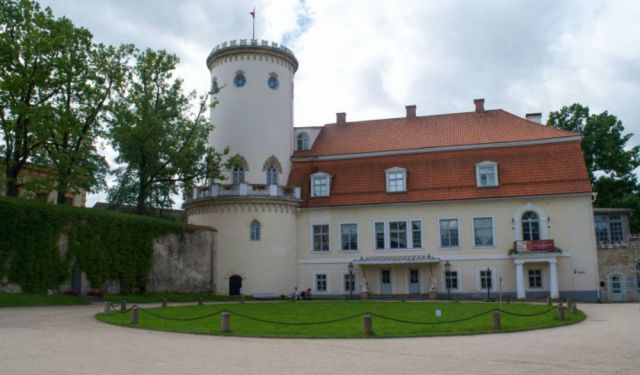 A Visit to the Charming Town of Cesis, Latvia