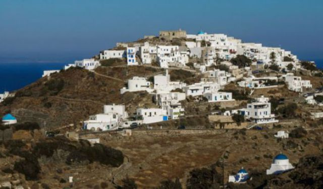 Visiting Sifnos, Greece? Here's the Travel Guide