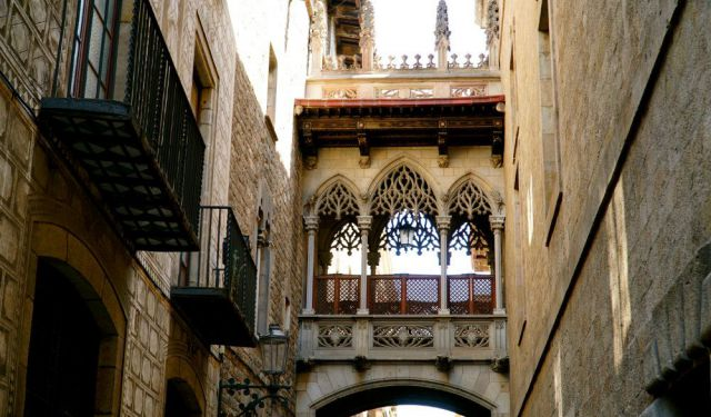 Neighborhoods of Barcelona: Exploring the Gothic Quarter