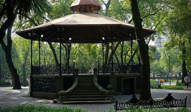 Self-Guided Walking Tour: Chapultepec, Mexico City