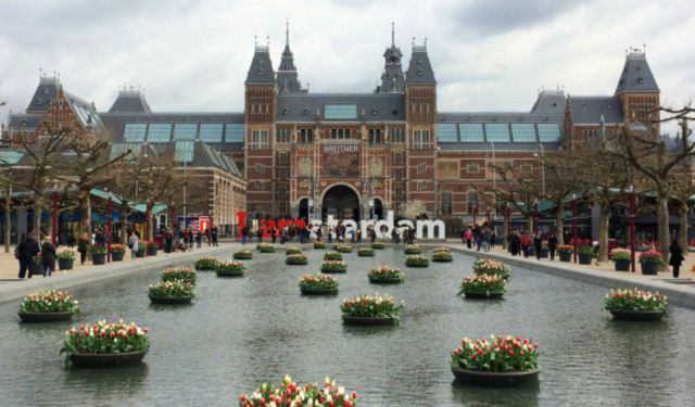 Guide to Visiting Amsterdam