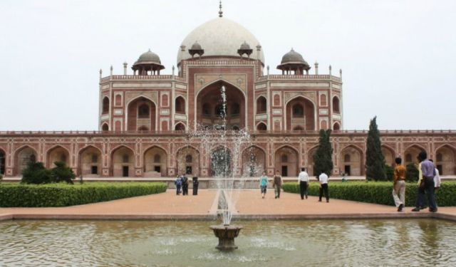Guide to Delhi: Sightseeing, Shopping and Accommodation