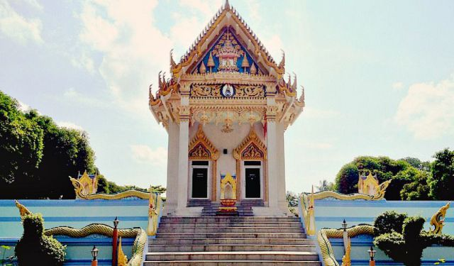 A Solo Traveler's Guide to Koh Samui