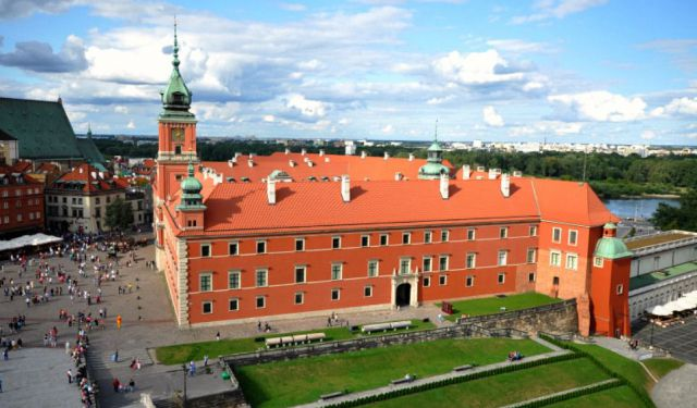 How to Spend 24 Hours in Warsaw, Poland