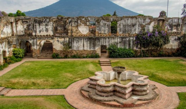 Antigua's Parks, Churches, and Ruins