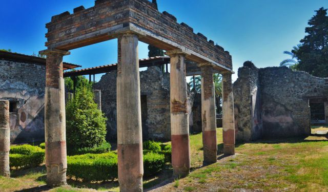 Pompei - World's Best Preserved Ancient Site