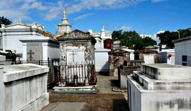 Cities of the Dead: New Orleans