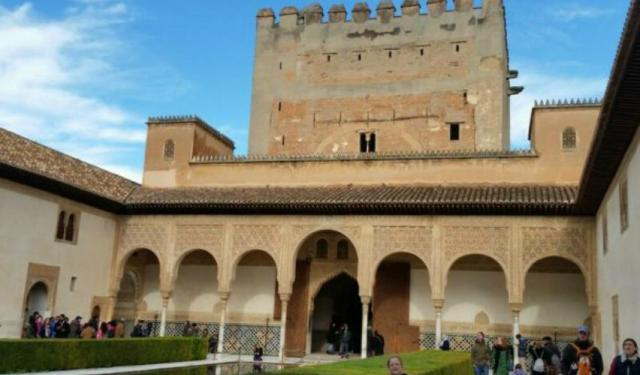 The Alhambra: The Most Stunning Moorish Castle