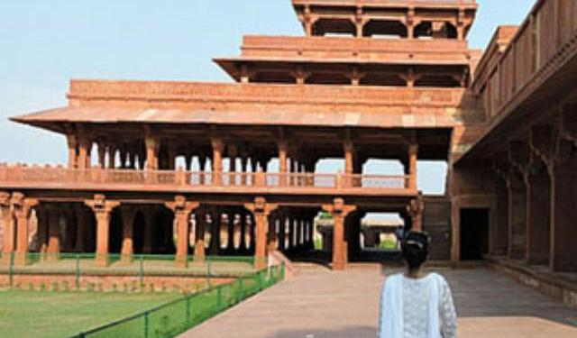 Top Attractions in Fatehpur Sikri, India