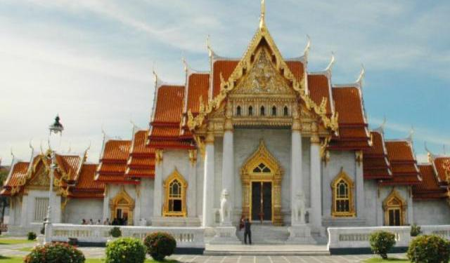 What a Week: Exploring the Temples of Bangkok