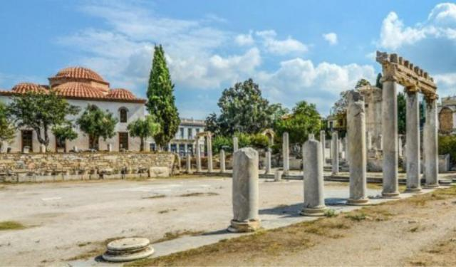 Places to Visit in Athens: Monastiraki and Plaka