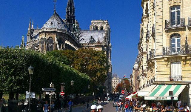 24 Self-Guided Walking Tours in Paris, France + Create Your