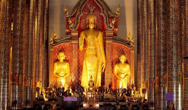 Golden Temples of Chiang Mai, Thailand