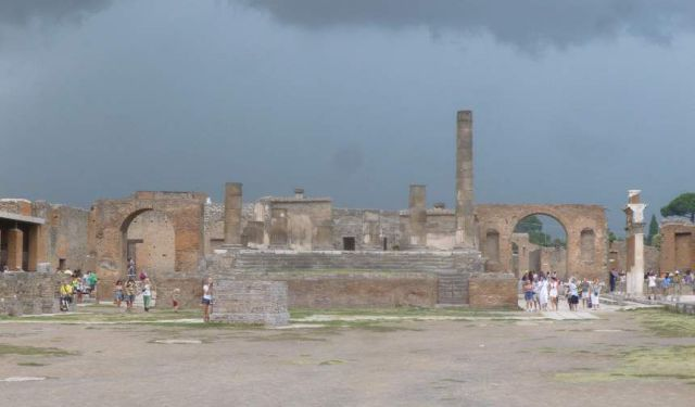 A Day in Pompei Italy