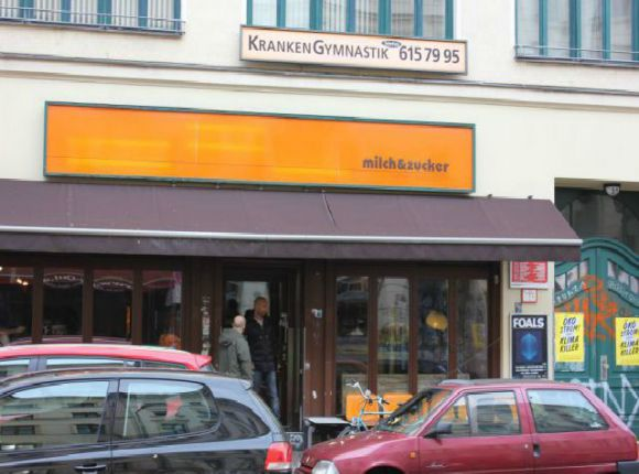 best cafes in kreuzberg berlin. Black Bedroom Furniture Sets. Home Design Ideas