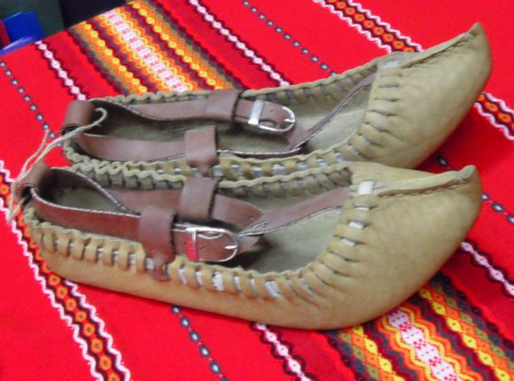 Tsarvuli or Opintsi Shoes