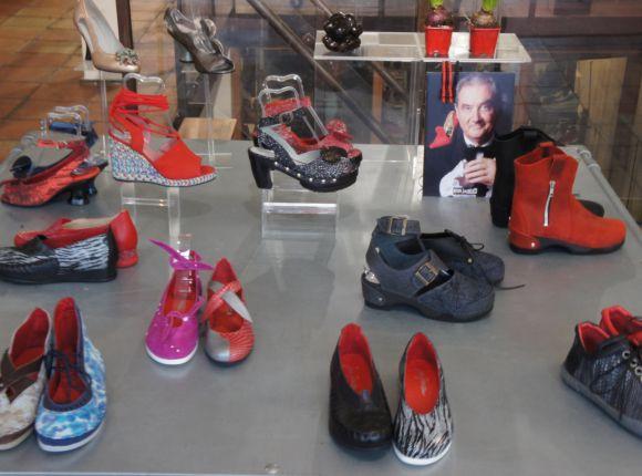 Dutch mature  go shopping